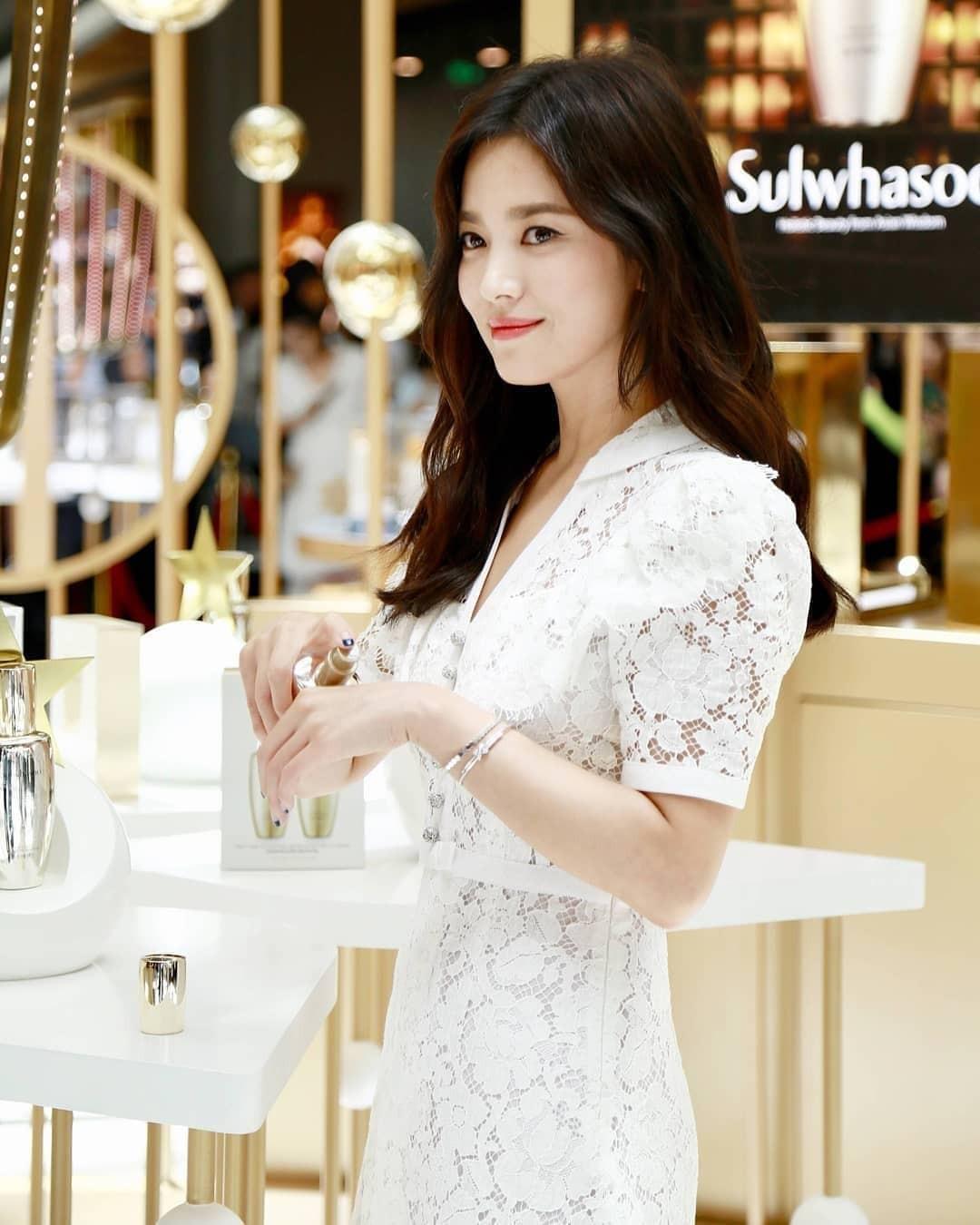 Clip đưa Song Hye Kyo lên top 1 tin hot nhất Hàn: Nhờ 1 câu nói của fan, mỹ nhân nở nụ cười đầu tiên giữa bão ly hôn-5
