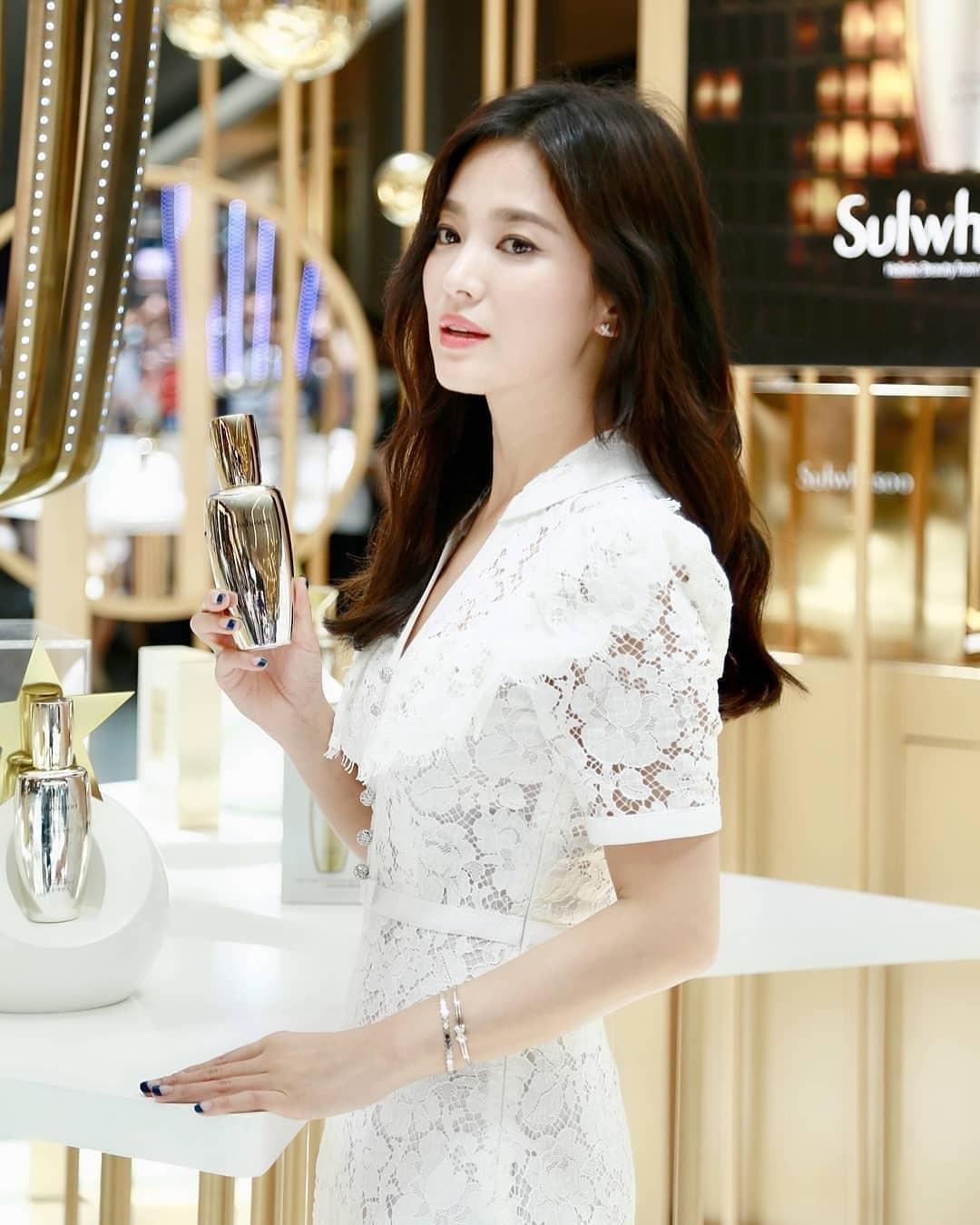 Clip đưa Song Hye Kyo lên top 1 tin hot nhất Hàn: Nhờ 1 câu nói của fan, mỹ nhân nở nụ cười đầu tiên giữa bão ly hôn-3