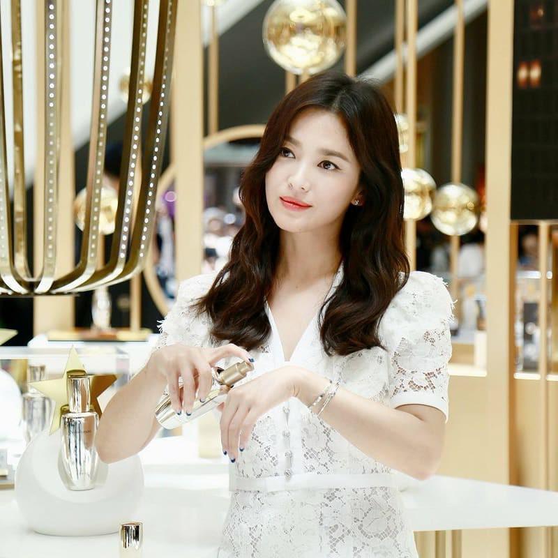 Clip đưa Song Hye Kyo lên top 1 tin hot nhất Hàn: Nhờ 1 câu nói của fan, mỹ nhân nở nụ cười đầu tiên giữa bão ly hôn-2