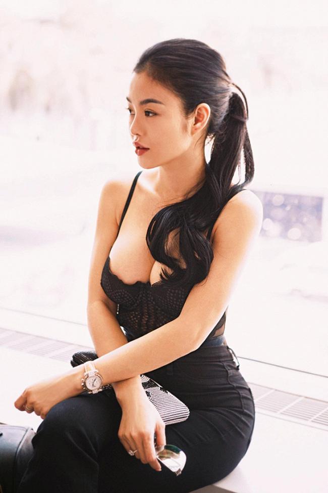 Hậu ly hôn, vợ cũ Phan Thanh Bình, MC Quỳnh Chi lột xác nóng bỏng-22