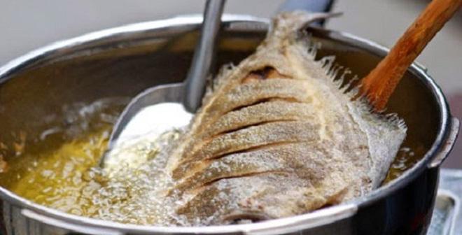 Bỏ thứ này vào chảo trước khi chiên rán: Món ăn chín đều vàng ươm, thơm ngon vô cùng hấp dẫn-3