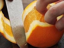 3 mẹo gọt, bổ cam đẹp mắt khi bày hoa quả
