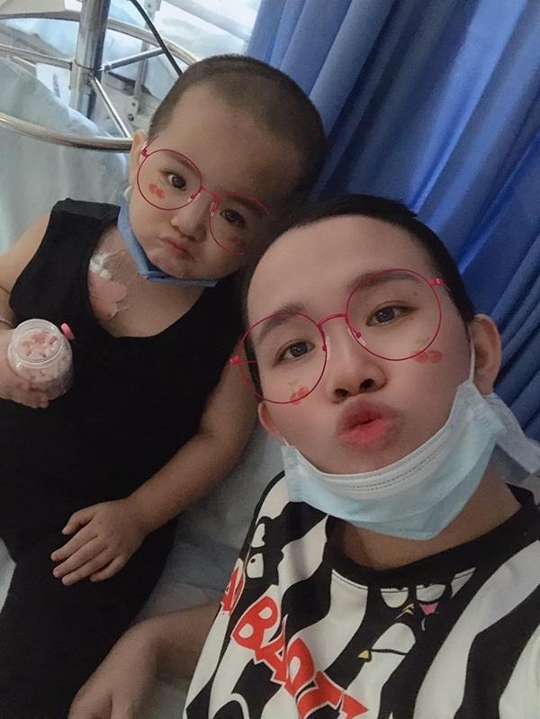 Bức thư đẫm nước mắt của người mẹ Kiên Giang gửi con gái 2 tuổi mắc ung thư-4