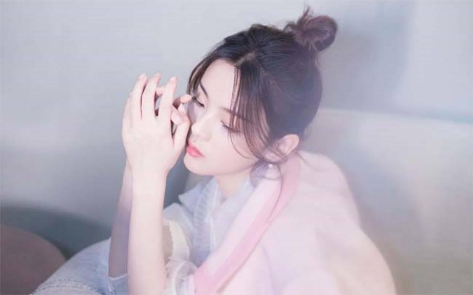 Cô thôn nữ 21 tuổi được phong đẹp nhất Trung Quốc bị ném đá vì nghi mặt nhân tạo-11