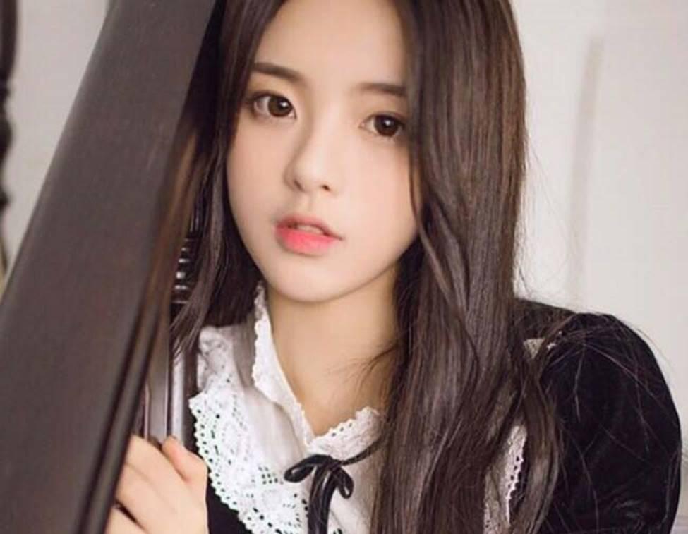 Cô thôn nữ 21 tuổi được phong đẹp nhất Trung Quốc bị ném đá vì nghi mặt nhân tạo-18