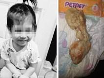 Gửi con cho người giữ trẻ, 4 ngày sau bà mẹ chết lặng nhận xác con về chỉ vì thói quen nhiều người lớn mắc phải