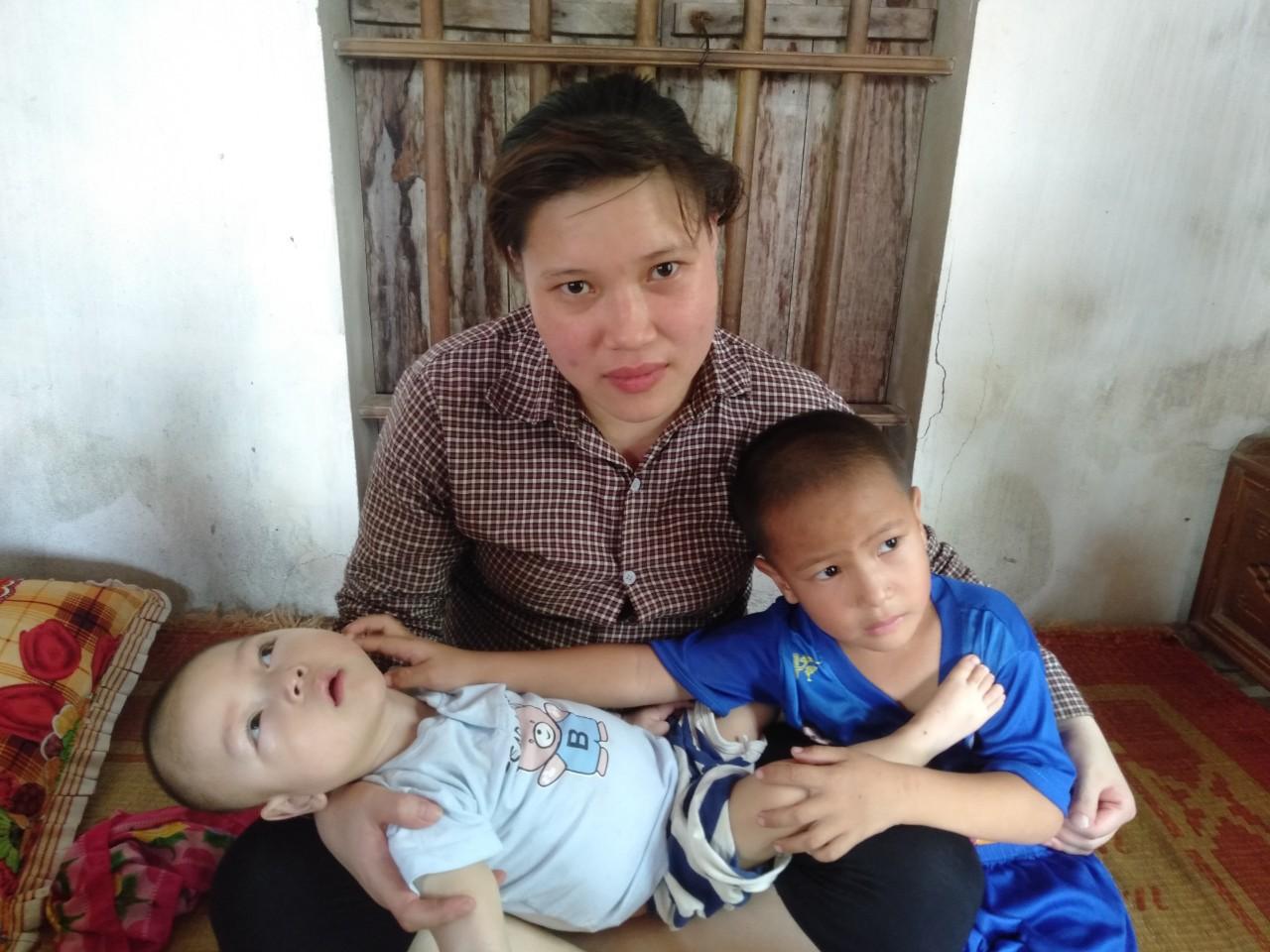 Con trai lớn 5 tuổi mắc bệnh tim, đứa bé 1 tuổi liệt tứ chi, người mẹ nuốt nước mắt cầu xin một cơ hội để cứu con-9