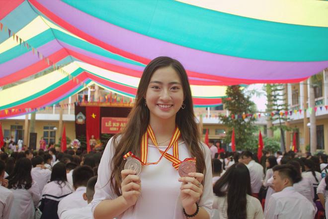 Nữ sinh Ngoại thương là ứng viên nặng ký của vương miện Hoa hậu thế giới Việt Nam 2019: IELTS 7.5, thành viên đội tuyển HSG Quốc gia tiếng Anh-6