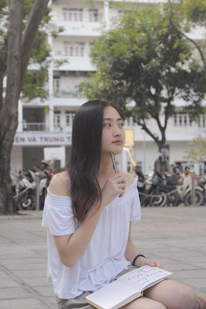 Nữ sinh Ngoại thương là ứng viên nặng ký của vương miện Hoa hậu thế giới Việt Nam 2019: IELTS 7.5, thành viên đội tuyển HSG Quốc gia tiếng Anh-14