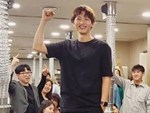 Song Joong Ki bất ngờ gây tranh cãi khi lộ ảnh tươi vui cùng gái lạ giữa ồn ào ly hôn Song Hye Kyo-3