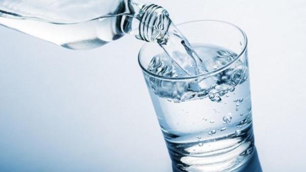4 tín hiệu bất thường sau khi uống nước, chứng tỏ bạn đang bệnh nặng-1