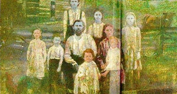 Câu chuyện ly kỳ về gia tộc người ngoài hành tinh có thật 100% ở Mỹ: Cả gia đình màu xanh da trời và lời nguyền đeo bám hàng trăm năm-1