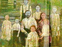 Câu chuyện ly kỳ về gia tộc