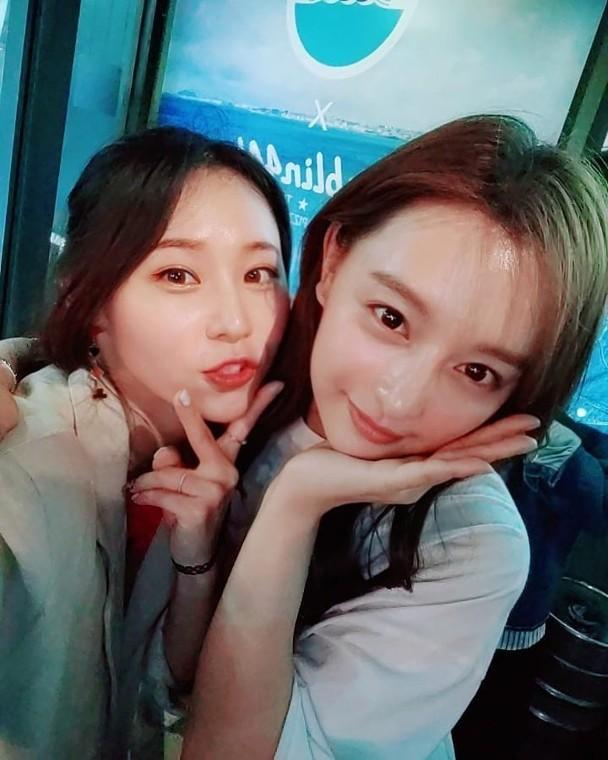 Song Joong Ki bất ngờ gây tranh cãi khi lộ ảnh tươi vui cùng gái lạ giữa ồn ào ly hôn Song Hye Kyo-2
