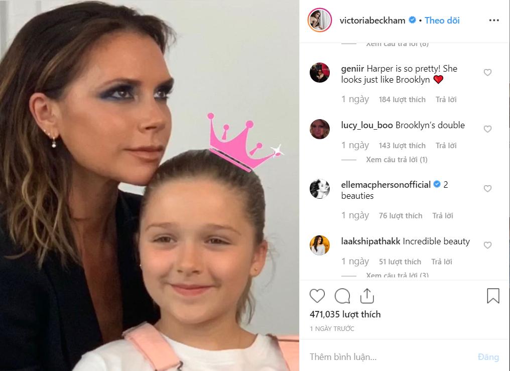 Con gái rượu của Beckham xuất hiện cực thần thái khi chụp hình với mẹ, fan thích thú vì nụ cười giống hệt một người trong nhà-1