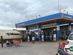 Đám tang đẫm nước mắt của nữ nhân viên bán xăng bị sát hại: Hai đứa con trai ngơ ngác tìm mẹ-8