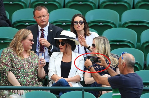 Meghan Markle bị tung bằng chứng chảnh chọe, cấm người hâm mộ chụp hình nhưng phản hồi của Hoàng gia Anh mới khiến dư luận phẫn nộ-2