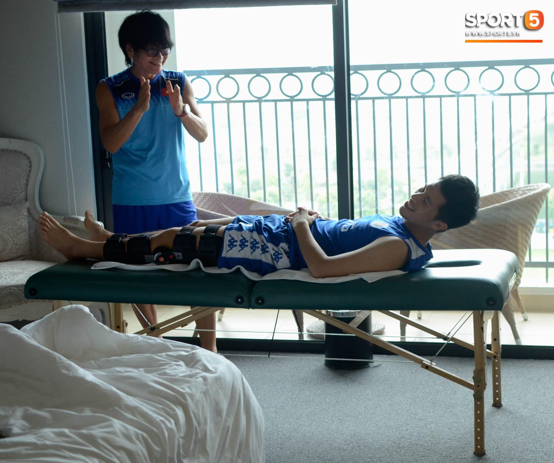 Đình Trọng kiên trì tập hồi phục, hy vọng mong manh kịp bình phục dự SEA Games 30-1