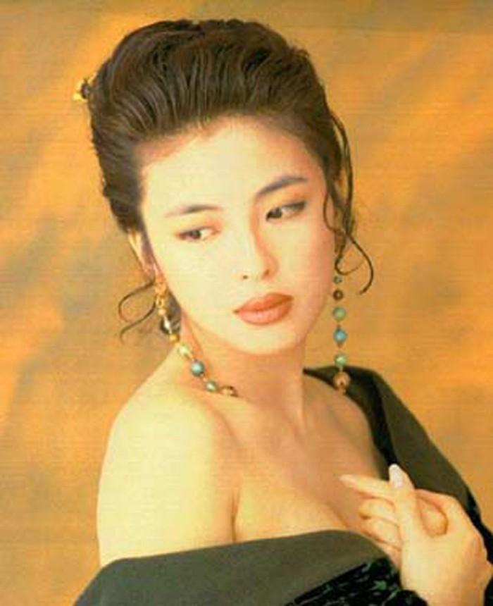 Cuộc hôn nhân tròn đầy hơn 30 năm của Thiên vương Hong Kong Trương Học Hữu: Bà xã đẹp ngang ngửa Trương Mạn Ngọc, hi sinh cả sự nghiệp vì chồng con-1