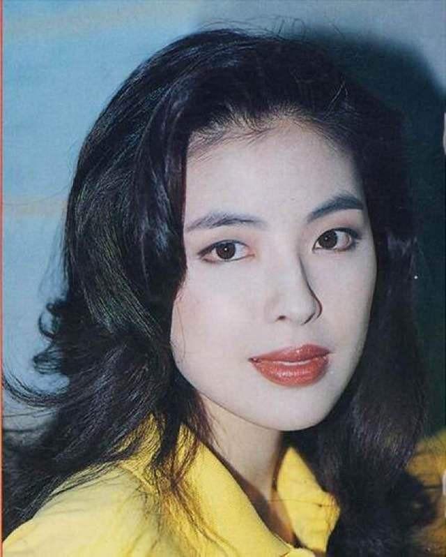 Cuộc hôn nhân tròn đầy hơn 30 năm của Thiên vương Hong Kong Trương Học Hữu: Bà xã đẹp ngang ngửa Trương Mạn Ngọc, hi sinh cả sự nghiệp vì chồng con-3