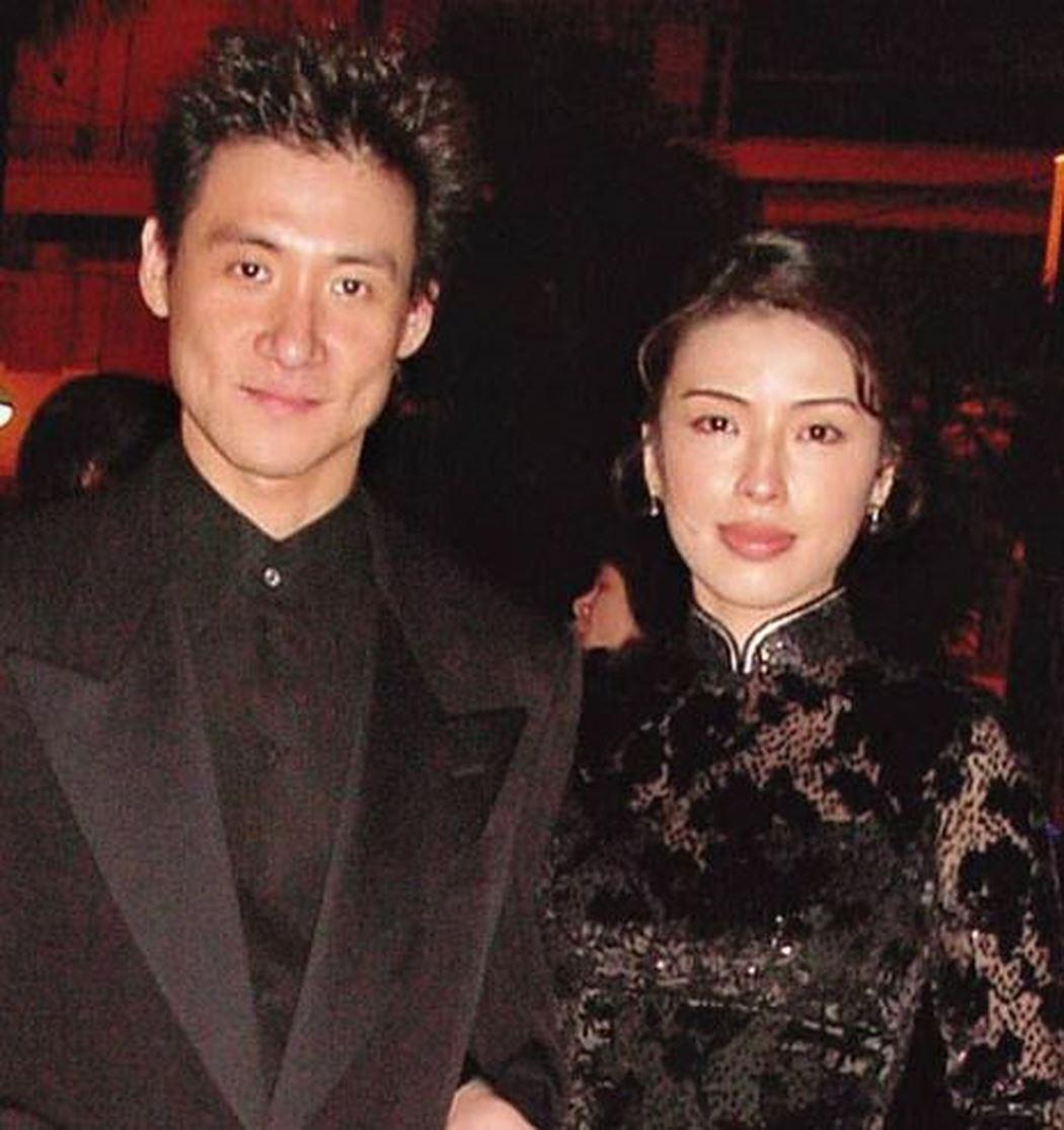 Cuộc hôn nhân tròn đầy hơn 30 năm của Thiên vương Hong Kong Trương Học Hữu: Bà xã đẹp ngang ngửa Trương Mạn Ngọc, hi sinh cả sự nghiệp vì chồng con-6