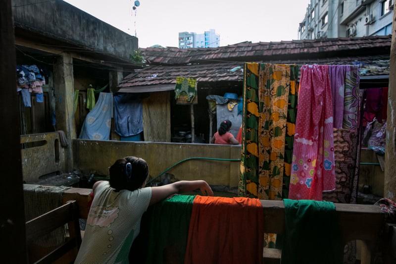 Nơi tận cùng khổ đau trên thế giới: Những bé gái bị chồng, người thân bán cho nhà thổ, bị hãm hiếp liên tục và những sự thật chua chát-2