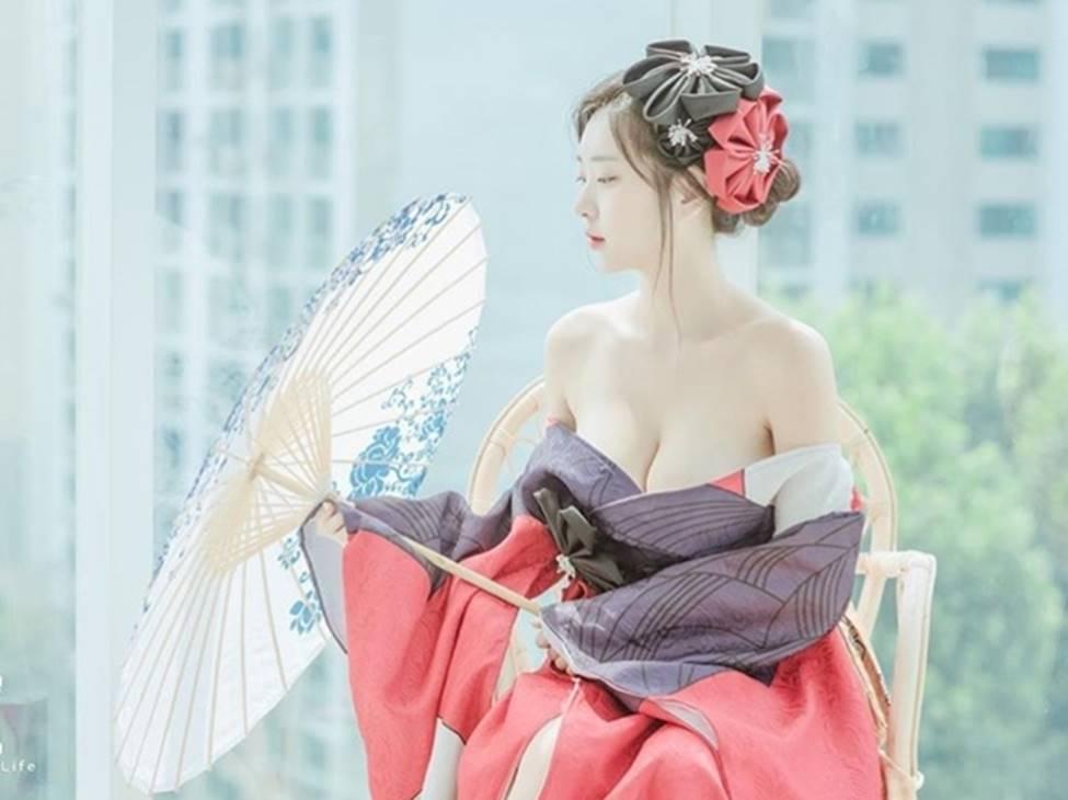 2 mẫu Hàn Quốc đời thường gái ngoan, lên hình khác biệt 180 độ-10