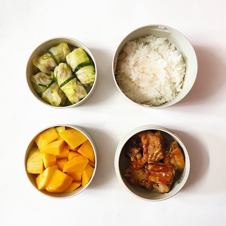 Chỉ với 50k đồng, cô gái trẻ làm ra hàng loạt bữa cơm trưa siêu tinh tế để chồng mang đi làm mỗi ngày-11