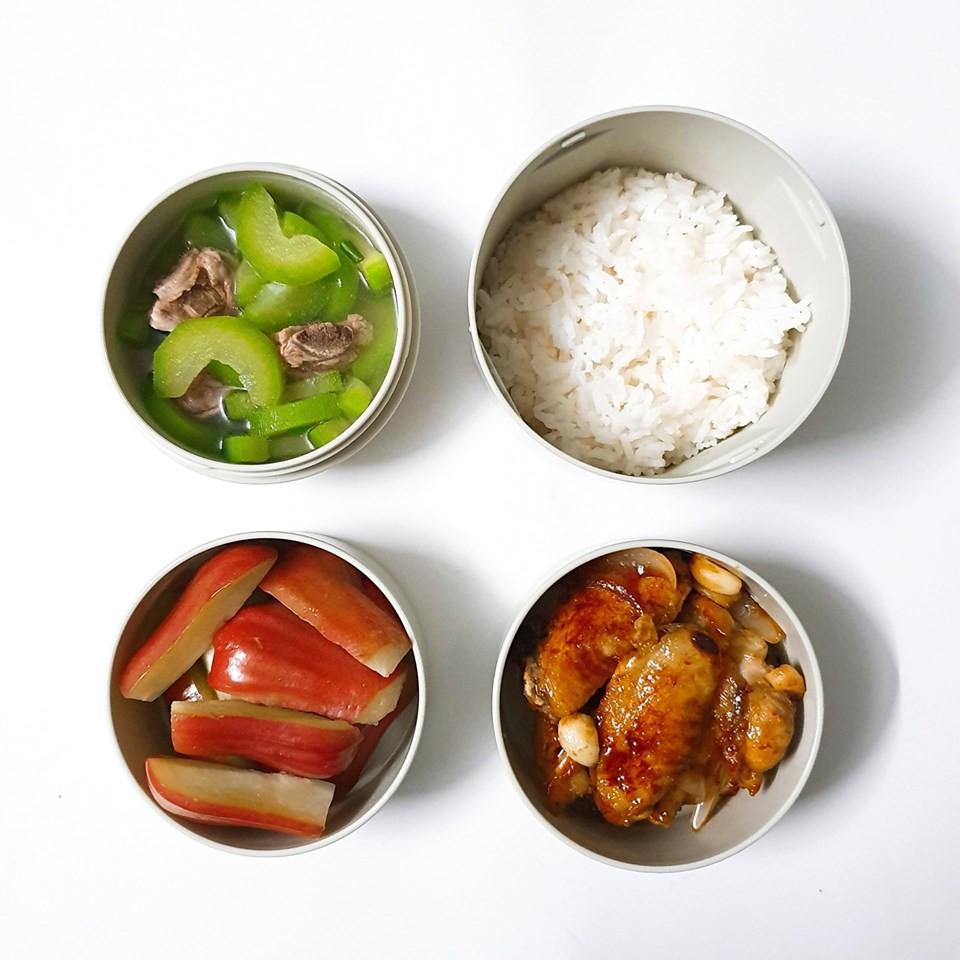 Chỉ với 50k đồng, cô gái trẻ làm ra hàng loạt bữa cơm trưa siêu tinh tế để chồng mang đi làm mỗi ngày-12