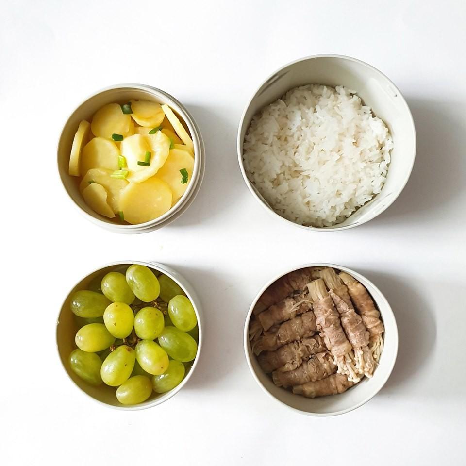 Chỉ với 50k đồng, cô gái trẻ làm ra hàng loạt bữa cơm trưa siêu tinh tế để chồng mang đi làm mỗi ngày-14