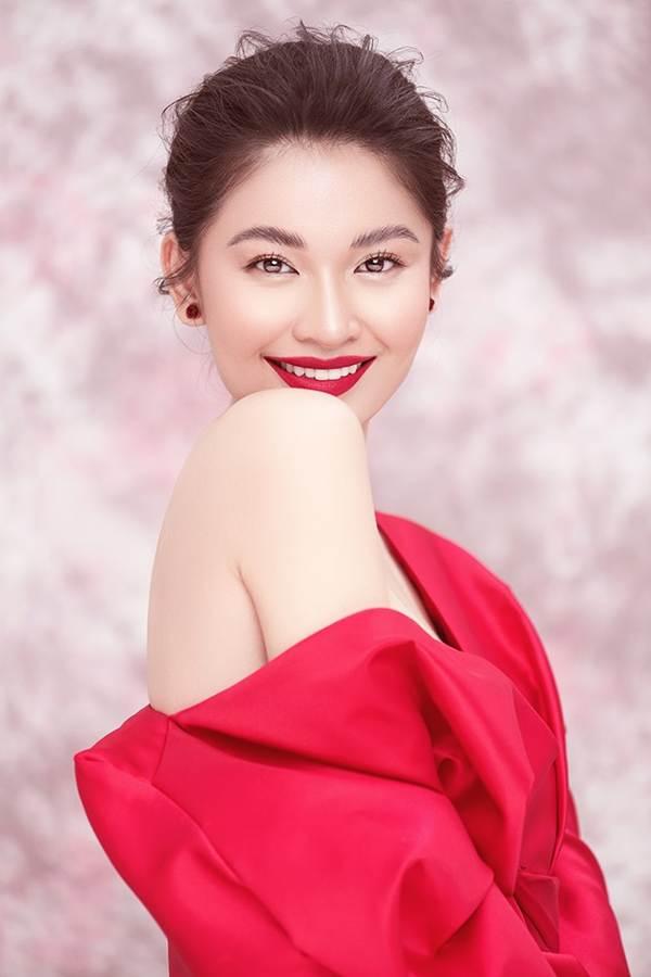 Nhan sắc ngày càng ngọt ngào, gợi cảm của Á hậu Thuỳ Dung ở tuổi 23-10