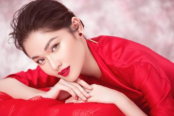 Nhan sắc ngày càng ngọt ngào, gợi cảm của Á hậu Thuỳ Dung ở tuổi 23-8