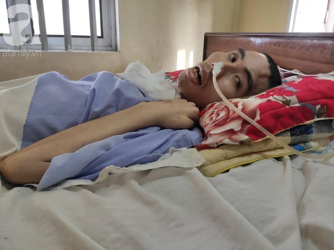 Con trai sắp lấy vợ bị tai nạn nằm một chỗ, người mẹ già ngã quỵ khi tiếp tục biết chồng ung thư mà không đủ tiền chữa-2