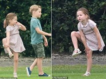Công chúa Charlotte gây sốt cộng đồng mạng với dáng đứng
