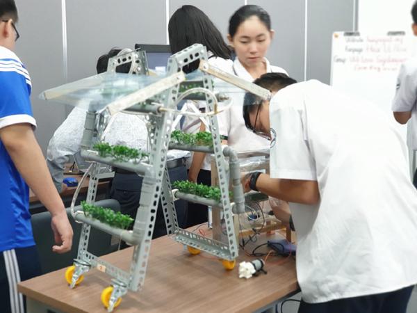Lần đầu tiên tổ chức ngày hội STEME dành cho teen yêu công nghệ-1