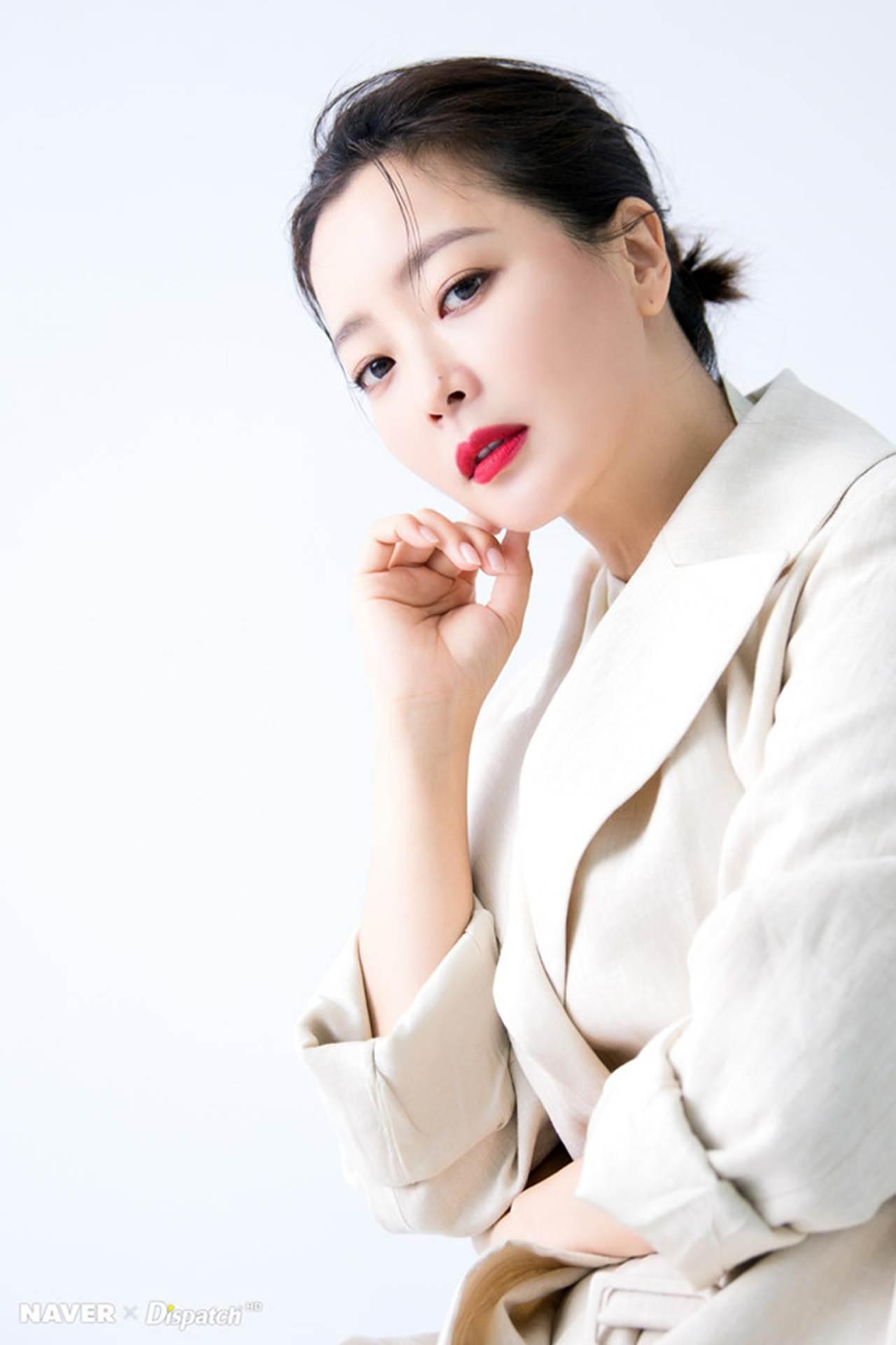 Kim Hee Sun - biểu tượng sắc đẹp trẻ trung ở tuổi 42-4