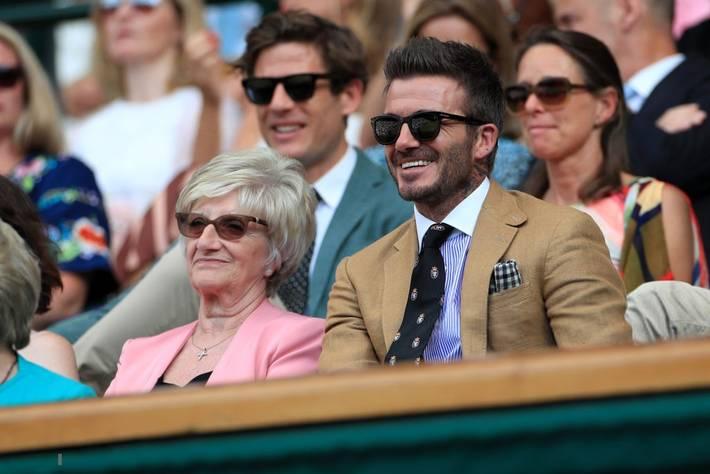 David Beckham ở tuổi 44 vẫn đẹp trai lãng tử, khí chất ngút trời, làm sáng rực một góc khán đài Hoàng gia-4