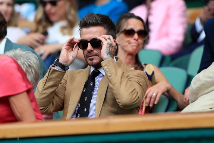 David Beckham ở tuổi 44 vẫn đẹp trai lãng tử, khí chất ngút trời, làm sáng rực một góc khán đài Hoàng gia-5