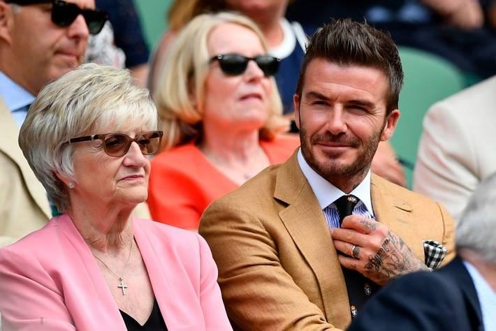 David Beckham ở tuổi 44 vẫn đẹp trai lãng tử, khí chất ngút trời, làm sáng rực một góc khán đài Hoàng gia-6