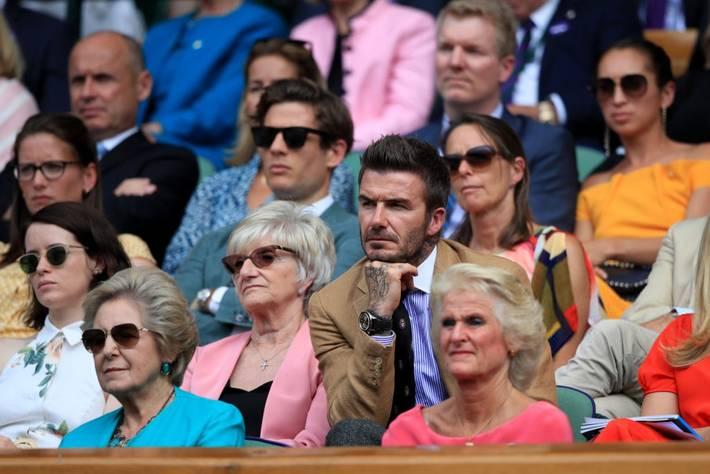 David Beckham ở tuổi 44 vẫn đẹp trai lãng tử, khí chất ngút trời, làm sáng rực một góc khán đài Hoàng gia-8