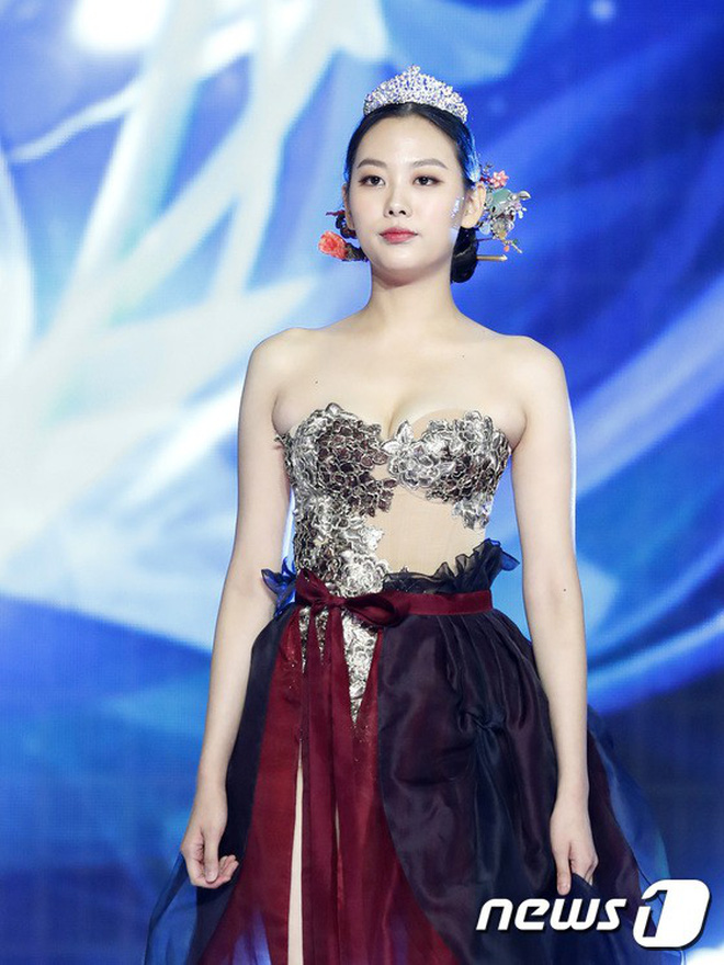 Chung kết Hoa hậu Hàn Quốc 2019 gây bão: Tân Hoa hậu xinh đến mức dìm cựu Hoa hậu, dàn Á hậu đằng sau bị chê mặt nhựa-20