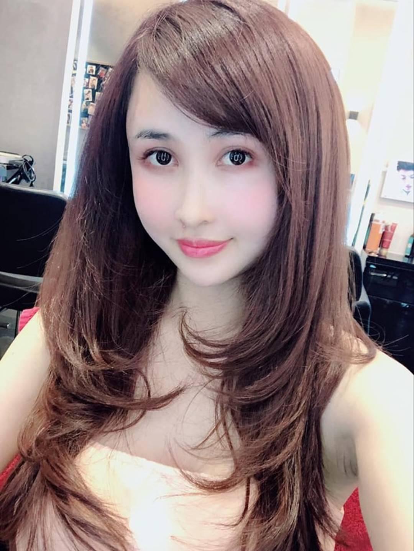 Nhan sắc ngày càng trẻ đẹp của vợ đại gia Minh Nhựa: Body nuột nà không hề thua chị kém em-3