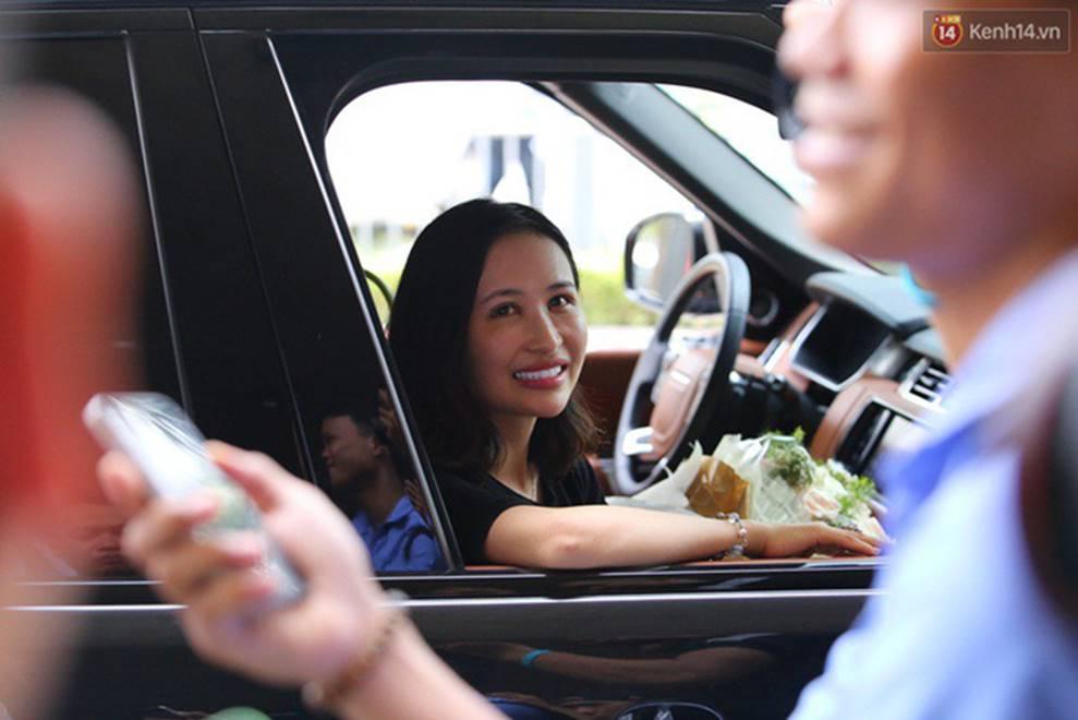 Nhan sắc ngày càng trẻ đẹp của vợ đại gia Minh Nhựa: Body nuột nà không hề thua chị kém em-7