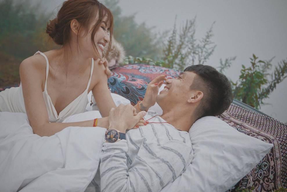 Nhan sắc ngày càng trẻ đẹp của vợ đại gia Minh Nhựa: Body nuột nà không hề thua chị kém em-24