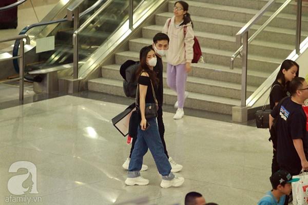 Hot: Đông Nhi và Ông Cao Thắng bất ngờ được tổ chức đám cưới ngay tại sân bay sau khi trở về từ Mỹ-1