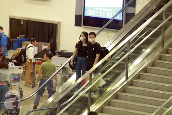 Hot: Đông Nhi và Ông Cao Thắng bất ngờ được tổ chức đám cưới ngay tại sân bay sau khi trở về từ Mỹ-2