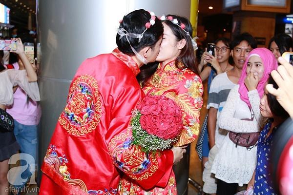 Hot: Đông Nhi và Ông Cao Thắng bất ngờ được tổ chức đám cưới ngay tại sân bay sau khi trở về từ Mỹ-12