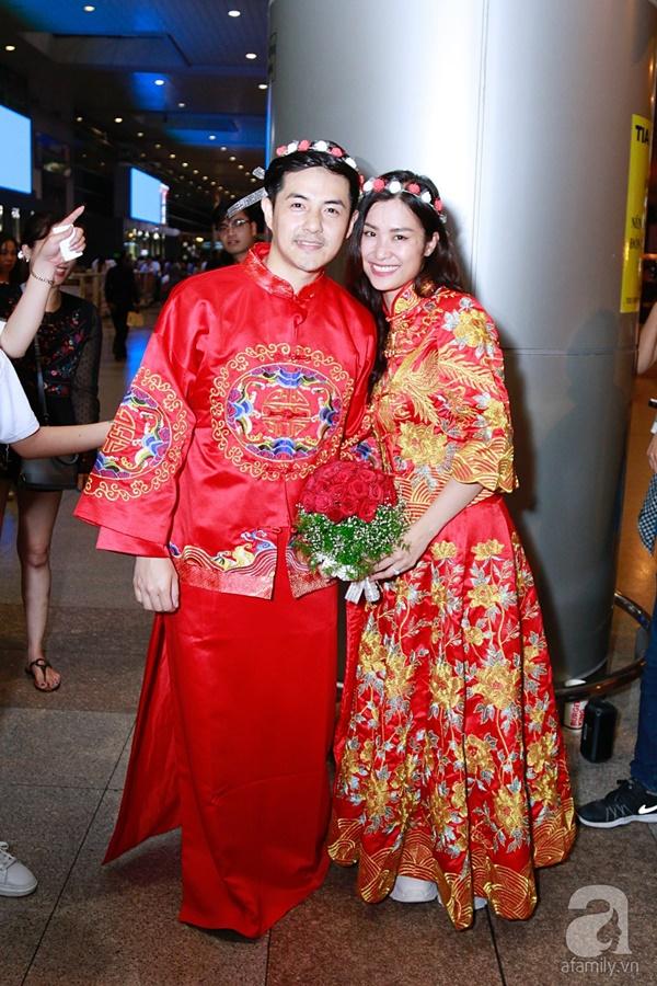 Hot: Đông Nhi và Ông Cao Thắng bất ngờ được tổ chức đám cưới ngay tại sân bay sau khi trở về từ Mỹ-14