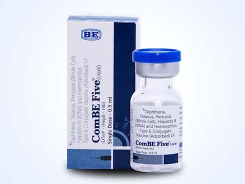 Một bé trai tử vong sau khi tiêm vắc-xin ComBe Five-1