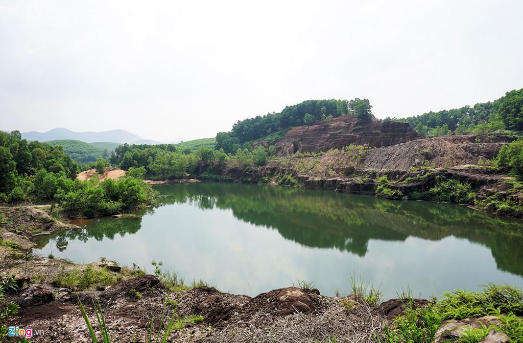 Đi rừng nhặt được viên đá quý 5 tỷ, vạn người đào núi tìm vận may-6